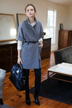 Grey wool mid length sleeved coat