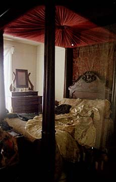 Image Detail for - upstairs bedroom another upstairs bedroom the back and the