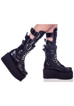 Creeper boots with buckles