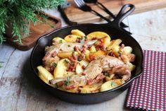 Une délicieuse #recette de lapin qui change. Délicieux. Paella, Meat, Chicken, Ethnic Recipes, Food, Change, Tempera, Avril, Voici