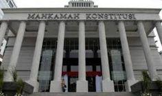 Partai Politik Indonesia: Mengapa MK Tolak Permohonan Yusril ... ???