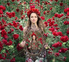 BoredPanda  Fancy fairies come into life in charming pictures of Ukrainian photographer from Kiev Tatyana Nevmerzhitskaya. Fantasy characters from fairy tales are wonderfully embodied in colorful photographs.