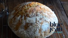 How to Make No Knead Bread No Knead bread is the easiest homemade bread you will ever make. It only takes minutes to mix toget Artisan Bread Recipes, Quick Bread Recipes, Dutch Recipes, Crusty Bread Recipe Quick, Easy Recipes, Knead Bread Recipe, No Knead Bread, Dutch Oven Bread, Bread Oven