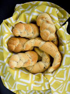 Pradobroty: Bílé pšeničné pečivo - rohlíky, housky
