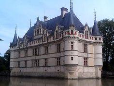 Château de Azay-le-Rideau, Azay-le-Rideau, Chinon, Indre-et-Loire, Centre, France - www.castlesandmanorhouses.com