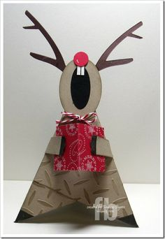 Singing Reindeer - kinda tutorial, with link to the pyramid Fun Crafts, Christmas Crafts, Paper Crafts, Christmas Ornaments, Christmas Wreaths, Christmas Signs, Kids Christmas, Christmas Tables, Nordic Christmas