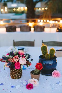 When you spend so much on flowers why put them in basic vases? Especially with modern wedding flower trends there& definitely been a focus on selecting eclectic containers and vases in various heights and sizes like these fiesta wedding centerpieces. Wedding Centerpieces, Wedding Decorations, Wedding Ideas, Wedding Poses, Wedding Pictures, Wedding Details, Table Decorations, Pineapple Vase, Ideias Diy