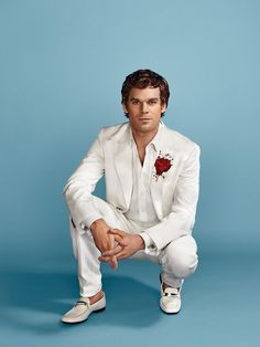 Michael C Hall, fantastic actor.love him is 6 feet under and DEXTER! Also happy he fought his battle with cancer! Dexter Morgan, Dexter Tv Series, Dexter Seasons, Beautiful Men, Beautiful People, Michael C Hall, White Suits, Serial Killers, Celebrity Pictures