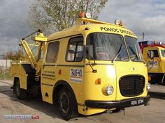 Tow Truck, Nice Cars, Old Trucks, Crane, Cars And Motorcycles, Techno, Classic Cars, Vehicles, People
