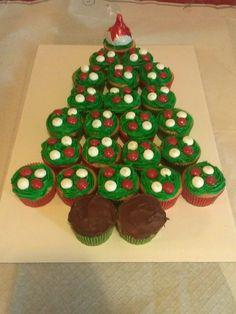 Cupcake Christmas Tree!
