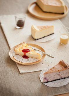 American Cheese Cake (Plain)アメリカンチーズケーキ(プレーン)American Cheese Cake (Blueberry)アメリカンチーズケーキ(ブルーベリー)Cheese Cake Tartタルトフロマージュwith 3 type of sauce by Patisserie MORI Osaka (Bangkok, Thailand) ohmyprettyfood.tumblr.com