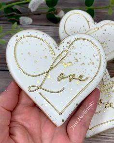 Wedding Shower Cookies, Cookie Wedding Favors, Decorated Wedding Cookies, Bridal Shower, Sugar Cookie Royal Icing, Easy Sugar Cookies, Cute Cookies, Macaron Cookies, Fondant Cookies