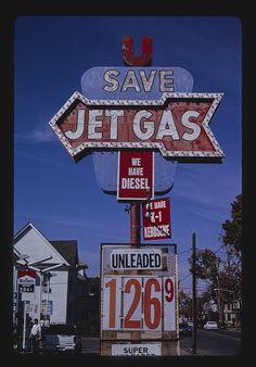 Jet Gas sign