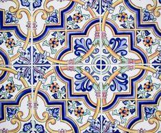 intricate-oriental-rug-patterns-on-tiles