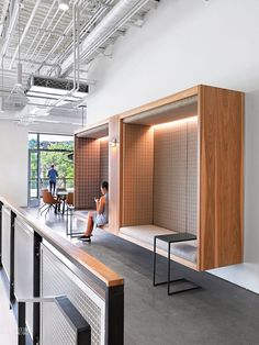 Uber Technologies by Assembly Design Studio: Best 2016 Annual Winner for Big . - Uber Technologies by Assembly Design Studio: Best 2016 Annual Winner for Large … - Interior Design Minimalist, Office Interior Design, Office Designs, Design Studio Office, Office Wall Design, Restroom Design, Corporate Interiors, Office Interiors, Commercial Interior Design