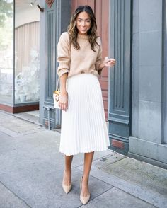 Winter workwear Fall workwear Work Source by midi skirt outfit White Skirt Outfits, White Dress Outfit, Nude Outfits, White Pleated Skirt, Modest Outfits, Chic Outfits, Fashion Outfits, Pleated Skirt Outfit Midi, Vans Fashion