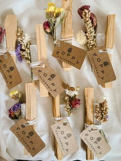 Diy Crafts For Teens, Diy Crafts To Sell, Handmade Crafts, Handcrafted Gifts, Bath Kit, Homemade Christmas Gifts, Easy Homemade Gifts, Smudge Sticks, Diy Gifts