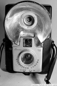 Google Image Result for http://collectiblend.com/Cameras/images/Kodak-Eastman-Brownie-StarFlash.jpg
