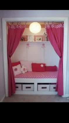 Creative Closet Nooks {I am so doing this for my little girl someday}