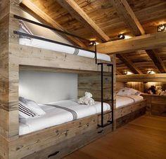 Interno /camera /letto a castello