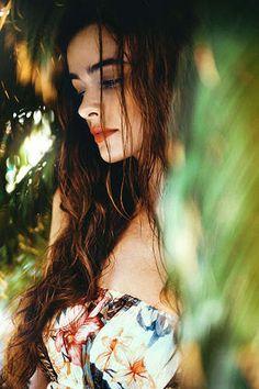 100 Terrific Tropical Fashions - From Tropical Bohemian Portraits to Botanical Pattern Menswear (TOPLIST)
