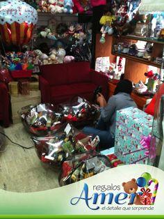 Tus arcones navideños, como año tras año, los envolveos. Envolturas Amer, 5524 6977