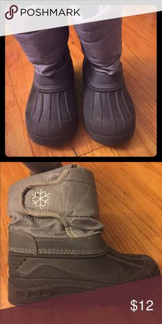 Snow Boots Black and grey snow boots to help your little one trek it through the white stuff. 😊 Worn a few times but in very good condition. Shoes Rain & Snow Boots