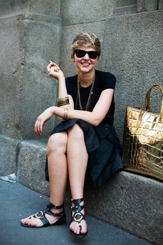 All black outfit! Inspiring :)
