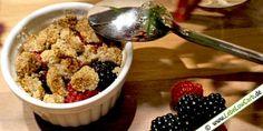 Low Carb Nachspeise - Heiße Früchte mit Nussstreuseln auf lebelowcarb.de