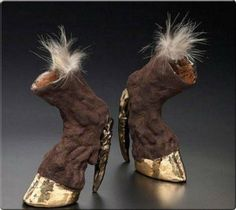 taxidermy heels by Iris Schieferstein Hoof Shoes, Shoes Heels, Pumps, Crazy Shoes, Me Too Shoes, Weird Shoes, Lady Gaga, Funny Shoes, Crazy Women