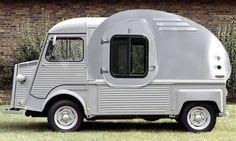 Adaptação estranha de um teardrop em uma carroceria de um Citroen HY. A cozinha na parte de trás fica meio alta mas nada que uma escadinha não resolva.