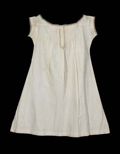 French chemise, ca. 1851-1871, cotton trimmed with eyelet embroidery and Valenciennes lace. Made for Madeline Borland, now at the Museum of Fine Arts Boston