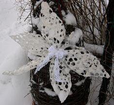Talven paperimassakorento pellavakuitupaperista Sydäntalven askarteluna voisit toteuttaa satukorennon ovikorist...