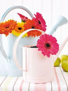 Mit frischen Farben erstrahlt Ihr Zuhause im neuen Look. Dazu haben wir für Sie ein paar kreative Bastelideen zum Selbermachen zusammengesucht.