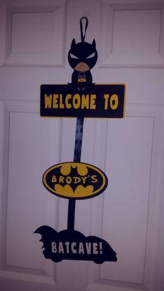 Banner or Door sign Batman Birthday, 1st Boy Birthday, Boy Birthday Parties, Birthday Door, Batman Comic Art, Gotham Batman, Batman Robin, Lego Batman, Batman Bedroom
