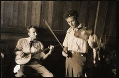 Pete Seeger (left) and Woodie Guthrie