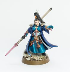 Hey guys, remember the female Farseer I converted for my craftworld Iybraesil army a while ago? Well, Garfy pointed out that the face lo. Eldar 40k, Warhammer Eldar, Warhammer Figures, Dark Eldar, Warhammer 40k Miniatures, Warhammer 40000, Eldar Farseer, Fantasy Miniatures, Lost Soul
