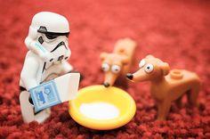 Milk Time #lego #legostagram #minifig #stormtrooper #레고 #レゴ #ミニフィグ #ストームトルーパー by lego_creatorclub