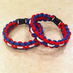 Show your patriotism with our Red, White, and Blue paracord bracelet. These colors look clean and the bracelet fits great.