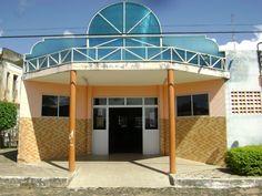 Biblioteca do Centro Cultural Maria Mariêta Pereira Gomes, onde funciona a Secretaria de Cultura, Esporte e Juventude em Farias Brito.
