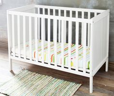 Interesting Baby Furniture White Color and Carpet Design