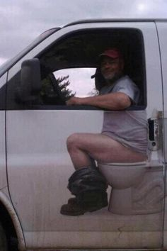 I wish my dad would do this to all his work trucks (yes, I am THE plumber's daughter, and damn proud of it too!)