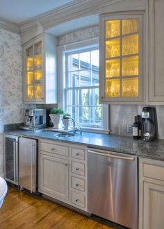 Painted kitchen cabinets. decorative painting.