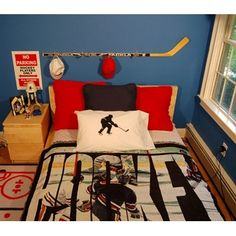 Hockey bedroom and personalized hockey room decor ideas.
