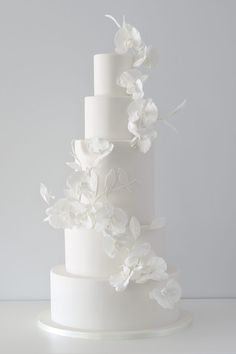We've prepared the most trendy wedding cake styles for your inspiration. Сheck out top 10 wedding cake trends for every style, theme, and budget. Wedding Cake Centerpieces, Fall Wedding Cakes, White Wedding Cakes, Elegant Wedding Cakes, Beautiful Wedding Cakes, Wedding Cake Designs, Dream Wedding, Wedding Decorations, Wedding Day