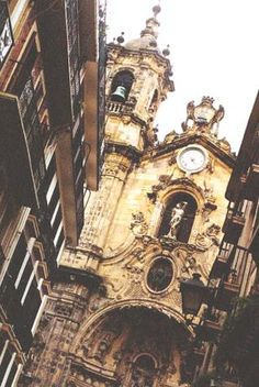 San Sebastian, Pais Vasco (with thanks to original Pinner) Places Around The World, Around The Worlds, San Sebastian Spain, Asturian, Passport Stamps, Basque Country, Spain And Portugal, I Want To Travel, Wonderful Places