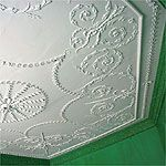 Mount Vernon's small dining room ceiling