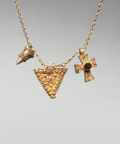 Chain with Two Pendants and a Cross, 500s Byzantium, early Byzantine period, 6th century