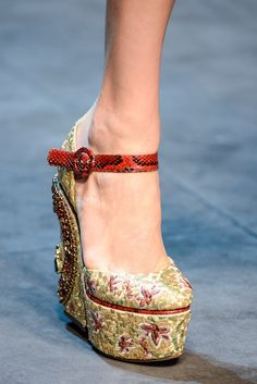Dolce & Gabbana Fall 2013 Ready-to-Wear Fashion Show Details
