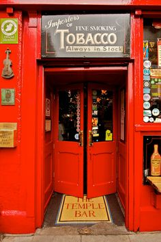 The Temple Bar, Dublin by Natalia Romay, via Flickr